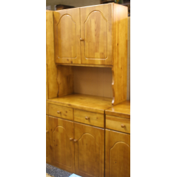 Pine 2-Door Display Unit